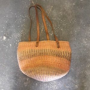 Vintage woven jute straw bag basket tote purse